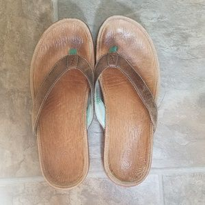EUC Chaco leather sandals, size 8